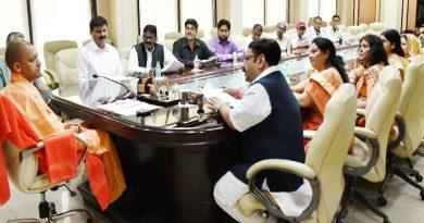 UPCM एनेक्सी में छावनी परिषदों के उपाध्यक्षों के प्रतिनिधिमंडल से मुलाकात करते हुए