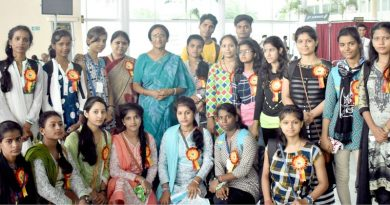 UPCM मंत्रिमंडल की महिला कल्याण व पर्यटन मंत्री ने राजकीय आवासित छात्रों को होटल मैनेजमेन्ट डिप्लोमा कोर्स करने हेतु बंगलूरू रवाना किया