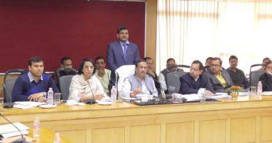 UP_Dy_CM की अध्यक्षता में बोर्ड परीक्षा-2019 की तैयारियों के सम्बन्ध में समीक्षा बैठक हुई