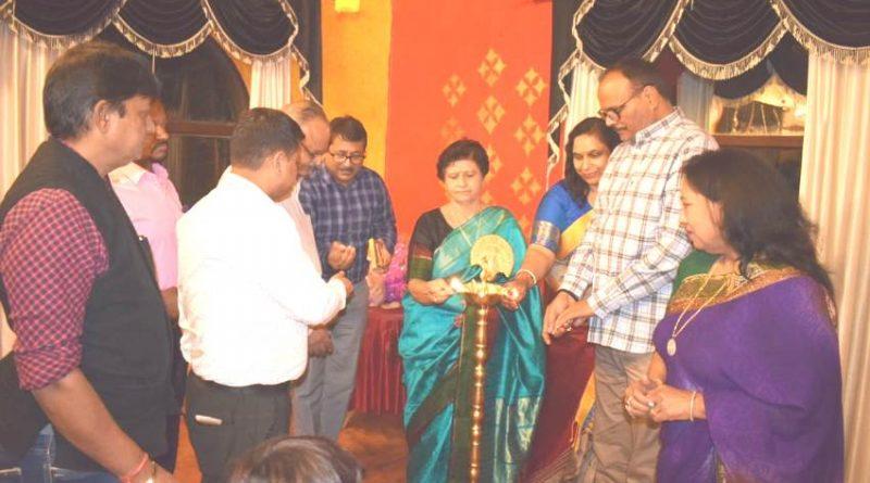 UPCM मंत्रिमंडल के मंत्री बृजेश पाठक ने लघु उद्योग भारती द्वारा आयोजित होली मिलन समारोह का उद्घाटन किया