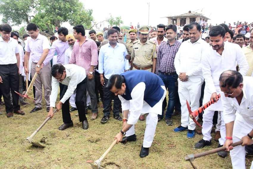 ग्राम्य विकास राज्यमंत्री डा. महेन्द्र सिंह बोले वर्षा का पानी बचाने के लिए जागरूकता जरूरी