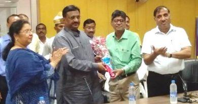 UPCM योगी ने 5वें अन्तर्राष्ट्रीय योग दिवस के सफलता पूर्वक आयोजन पर आयुष राज्यमंत्री को बधाई दी