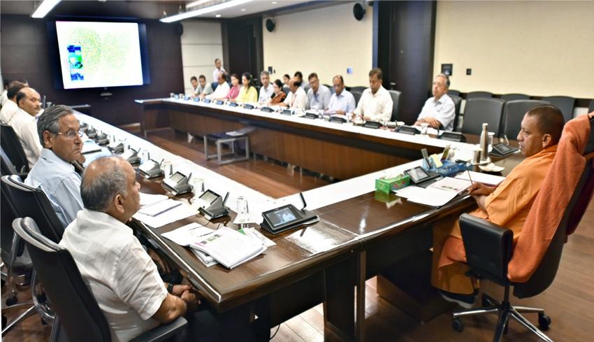 UPCM योगी आदित्यनाथ ने पर्यटन विभाग के कार्यों की समीक्षा की