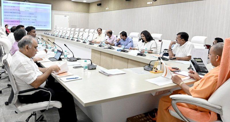 UPCM ने पंचायतीराज विभाग द्वारा संचालित योजनाओं एवं कार्यों पर दिए गए प्रस्तुतिकरण का अवलोकन किया