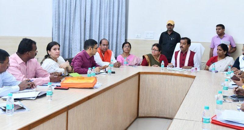उप मुख्यमंत्री केशव प्रसाद मौर्य ने कानपुर नगर में उच्चस्तरीय बैठक की
