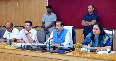 जलशक्ति मंत्री डा. महेन्द्र सिंह ने योजना भवन में भूगर्भ जल विभाग की समीक्षा की